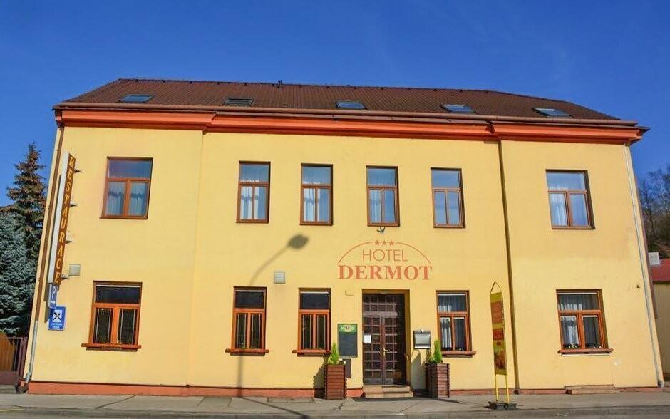 Ubytujte sa v Hoteli Dermot *** v Letoviciach