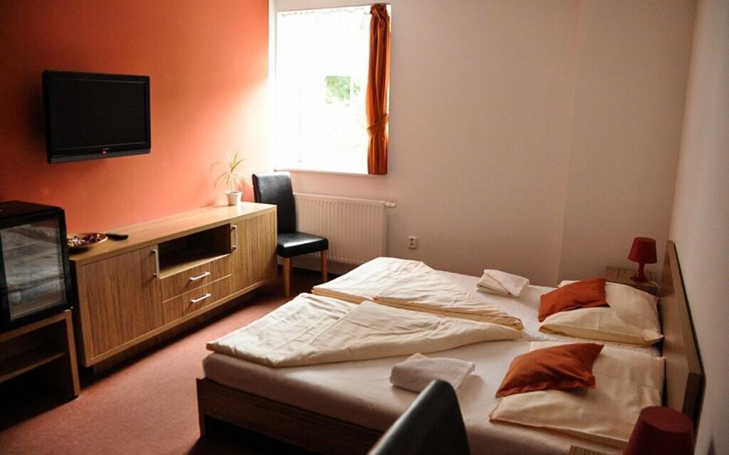 Ubytování vás čeká v komfortních pokojích