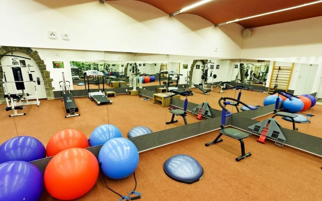 Pre aktívnych jedincov je tu pripravené aj fitness