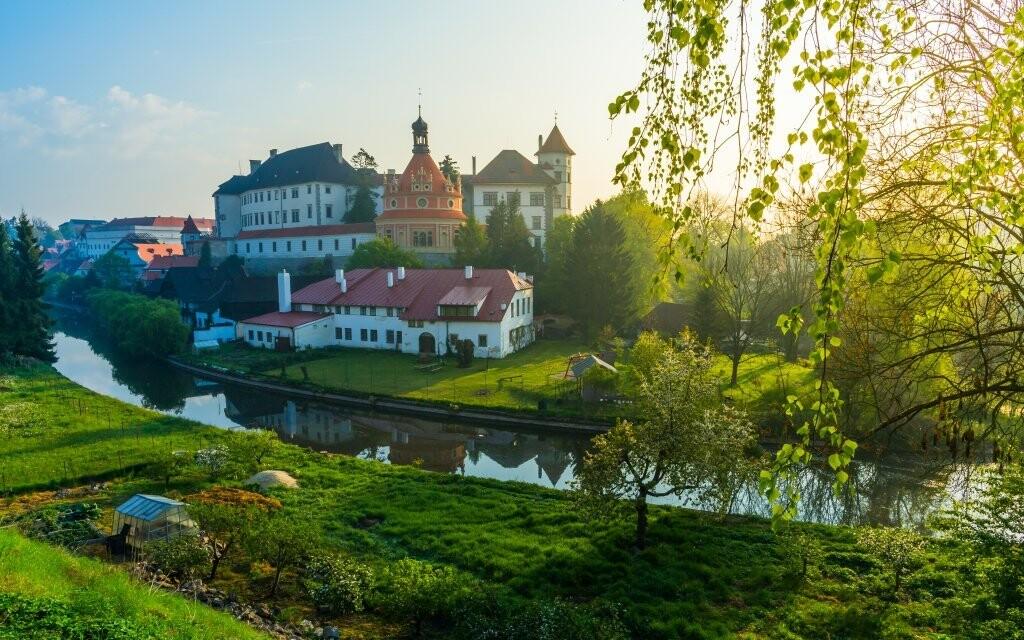 Jindřichův Hradec a zdejší hrad a zámek máte na dosah