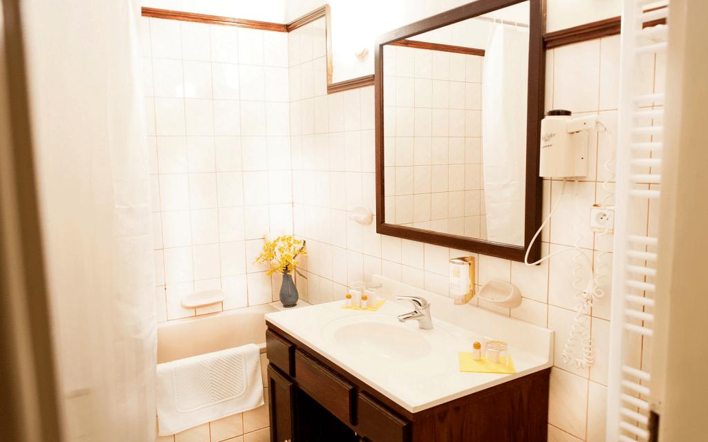 I v hotelu Ester jsou koupelny čisté a prostorné