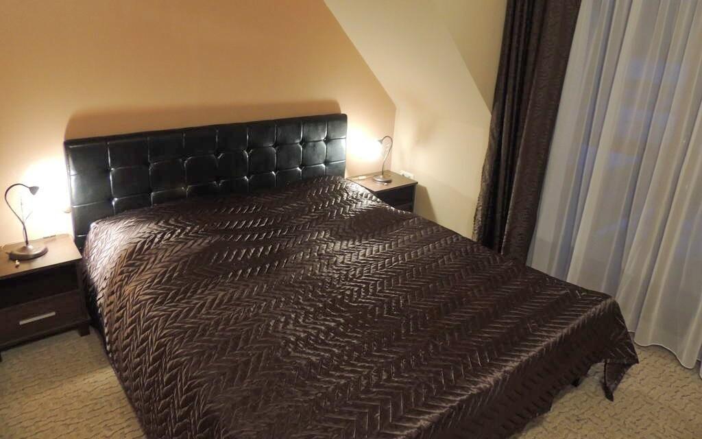 Dvoulůžkové pokoje jsou komfortně vybaveny