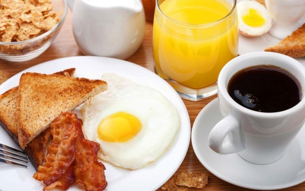 Každé ráno si pochutnáte na servírovaných snídaních