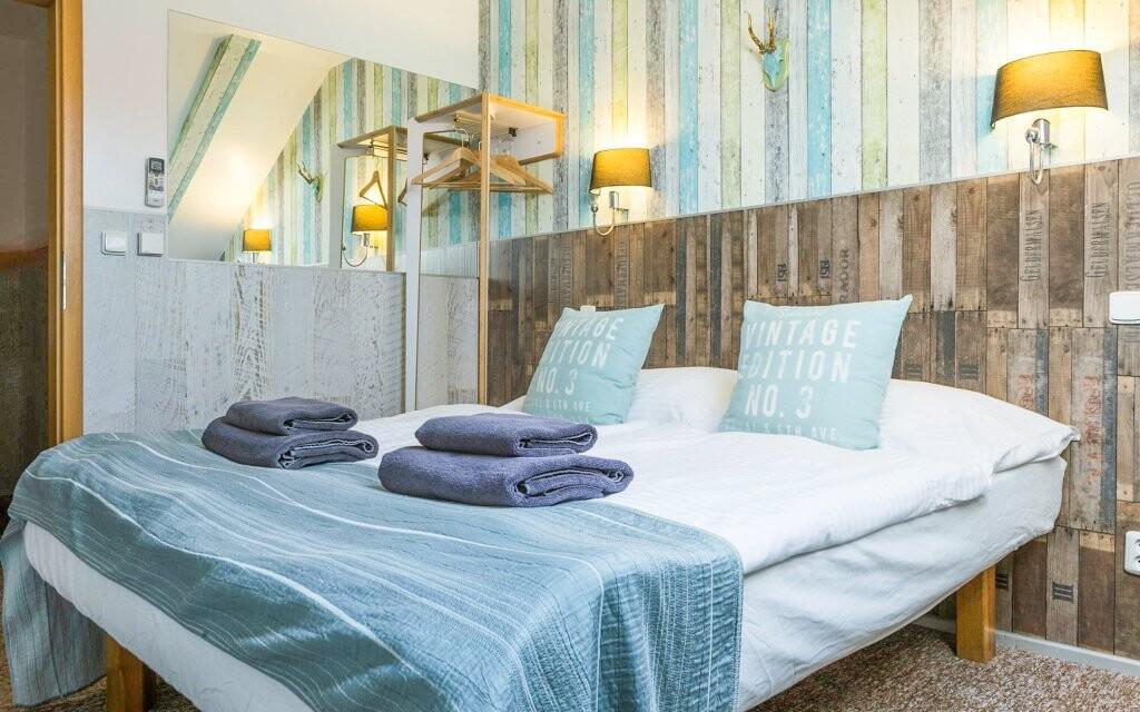 Pokoje hotelu jsou moderně zařízeny