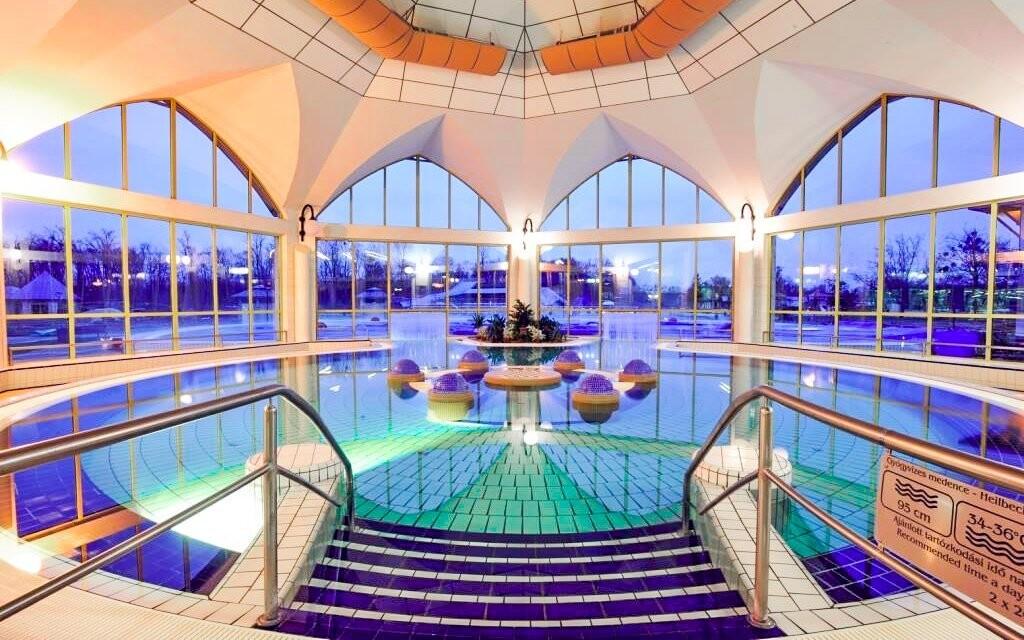 Bazény s liečivou termálnou vodou vás potešia