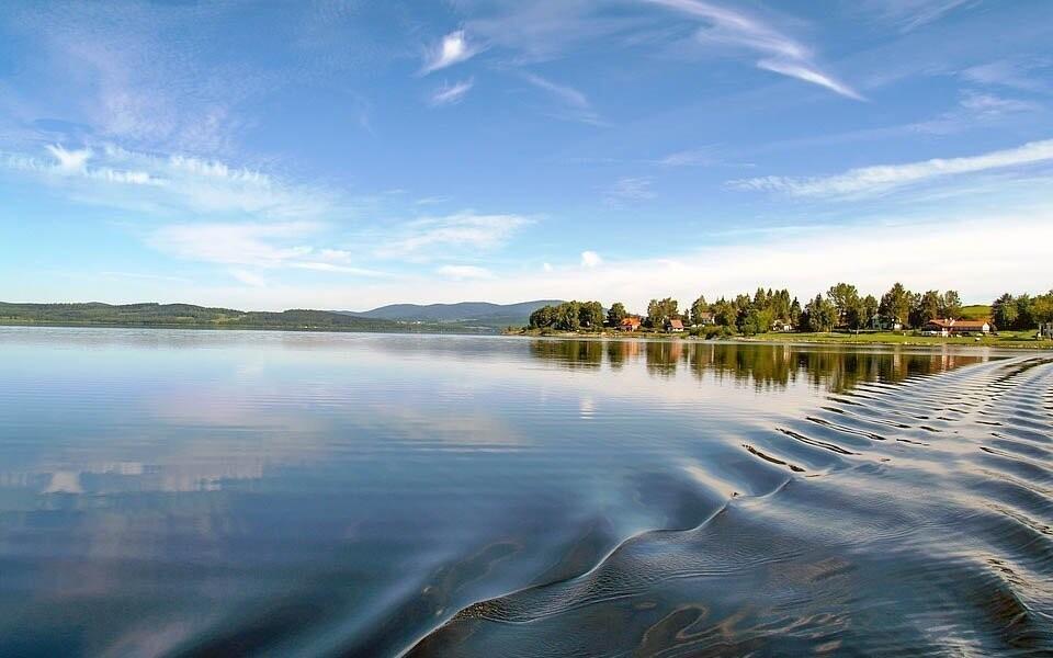 Užijte si dovolenou hned u Lipenského jezera