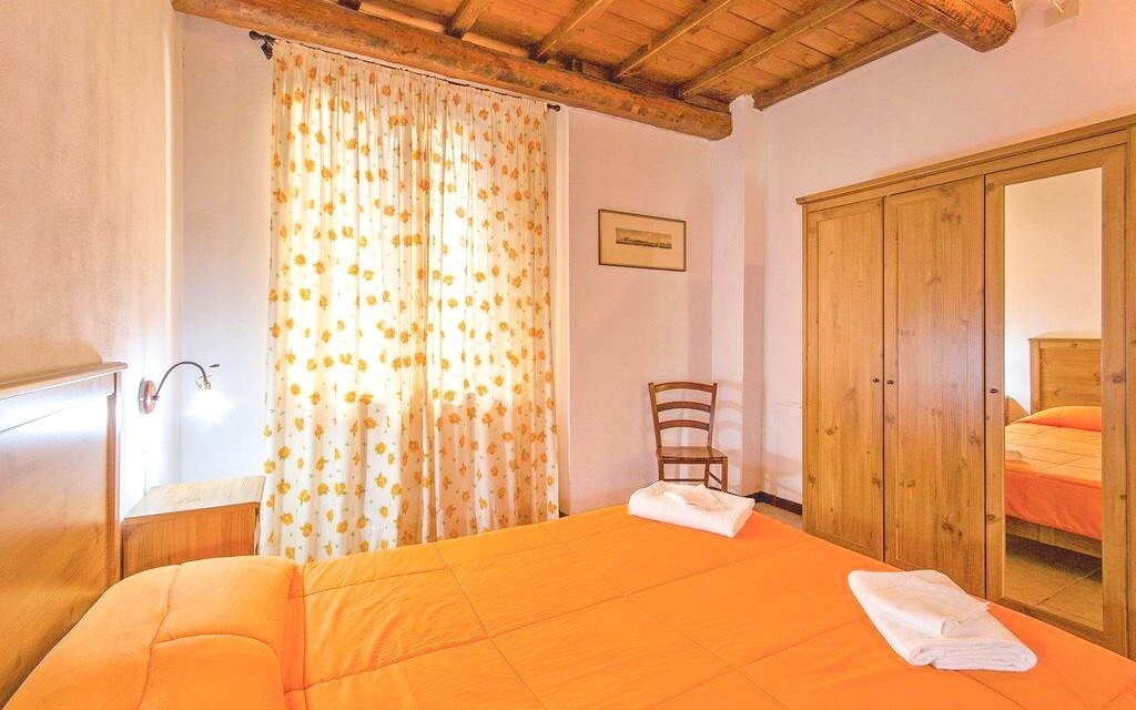 Pokoje jsou vybaveny v tradičním venkovském stylu