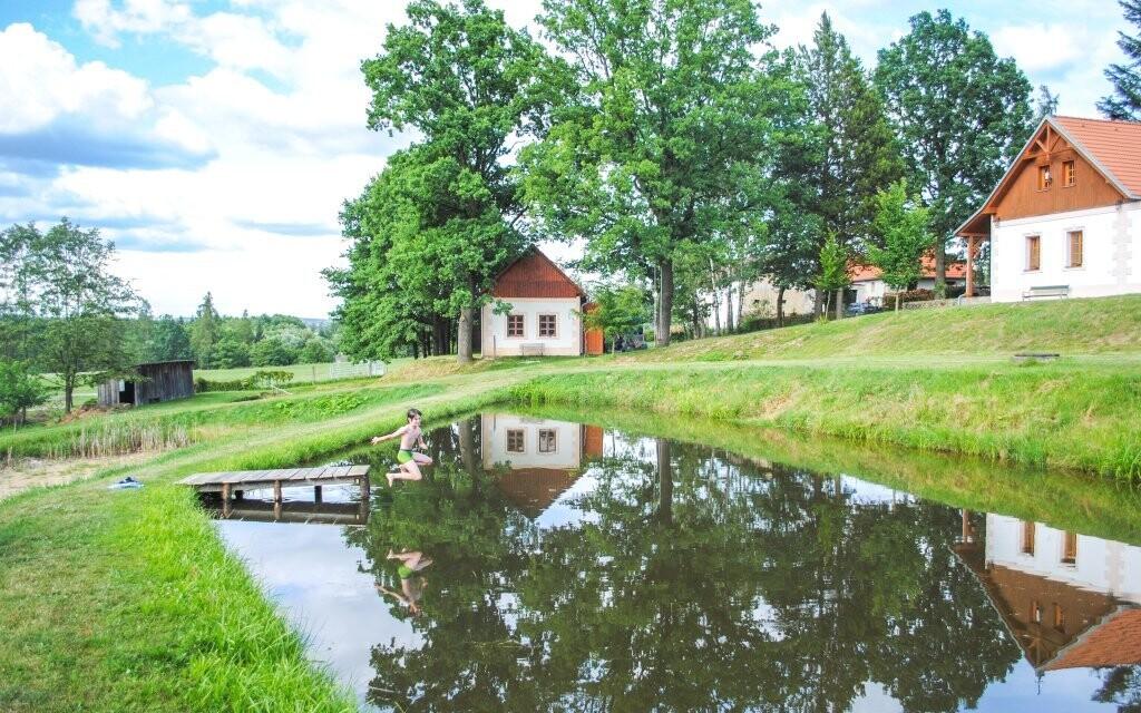 K resortu patří několik rybníčků