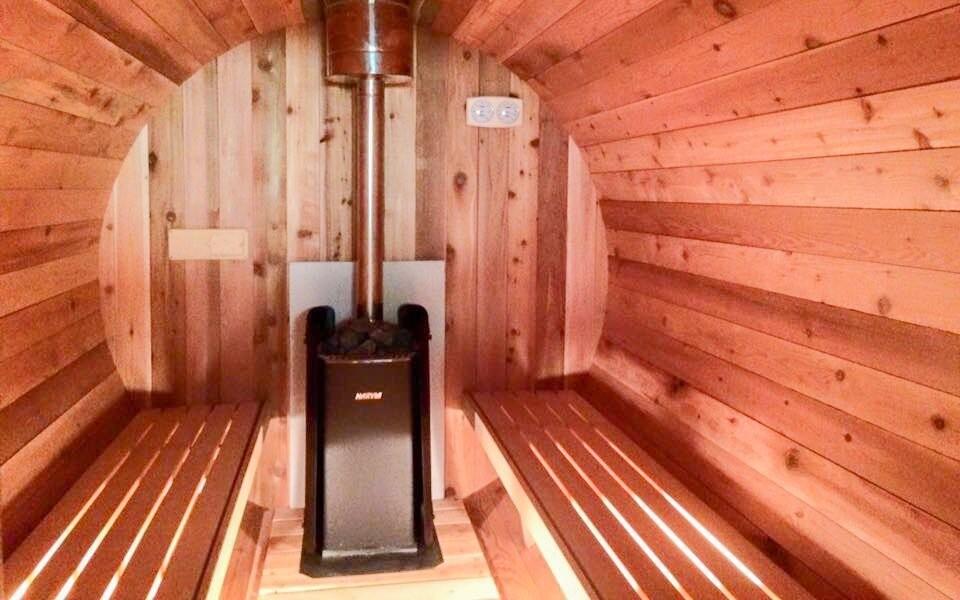 K dispozici je také dubová finská sauna