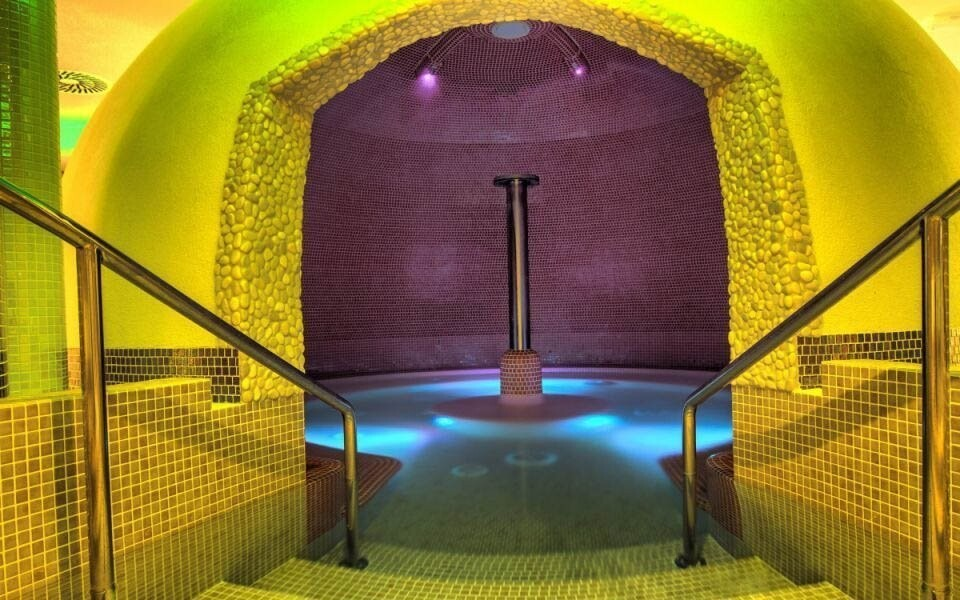 Zavítejte do termálního koupaliště v Podhájské