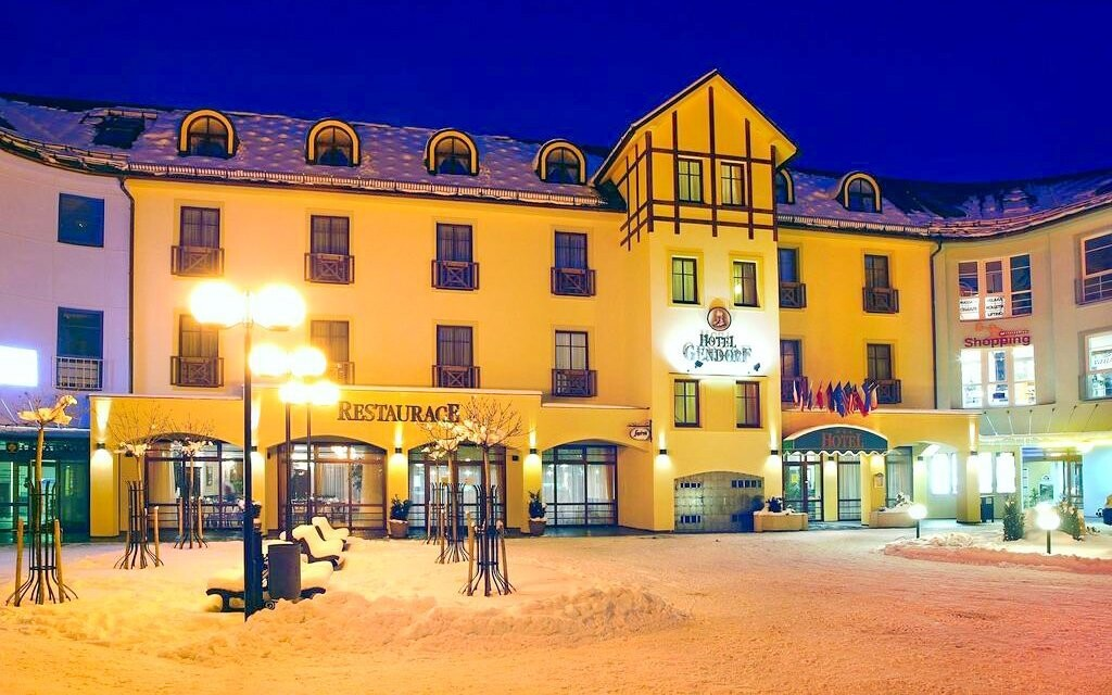 Hotel Gendorf *** stojí v centru Vrchlabí u Krkonoš