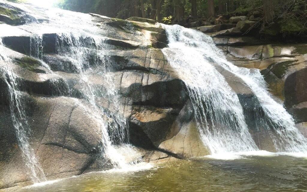 Snadno se dostanete k Mumlavským vodopádům