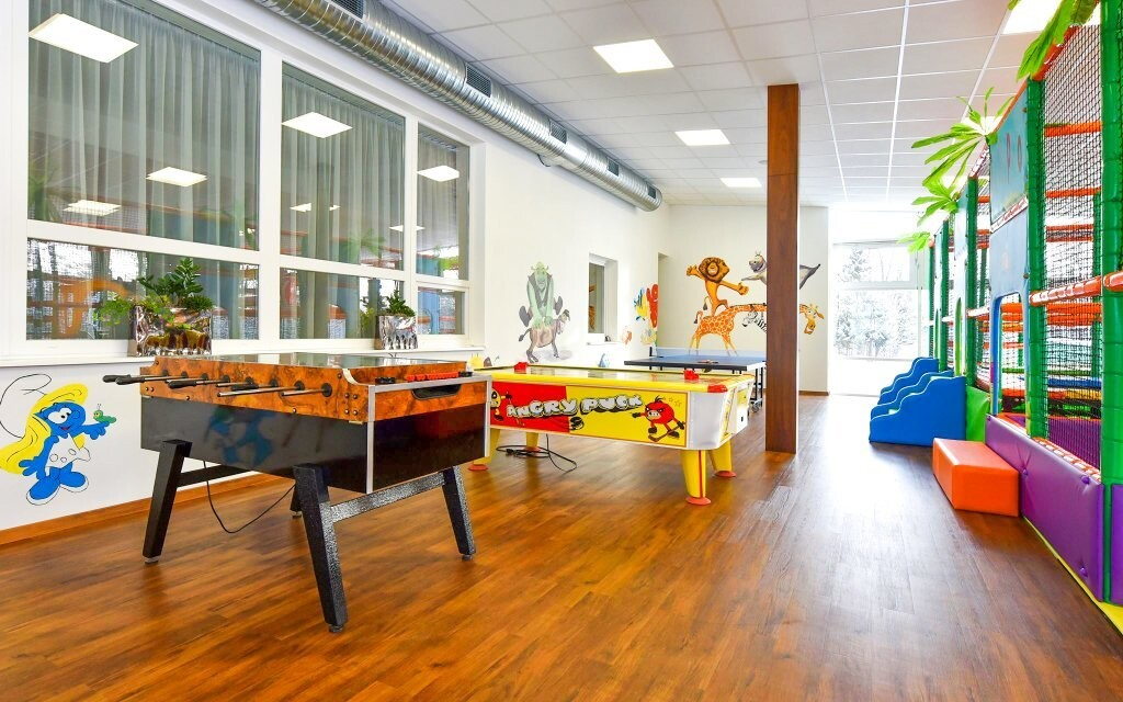V hoteli je pre deti Kindercentrum s trampolínami