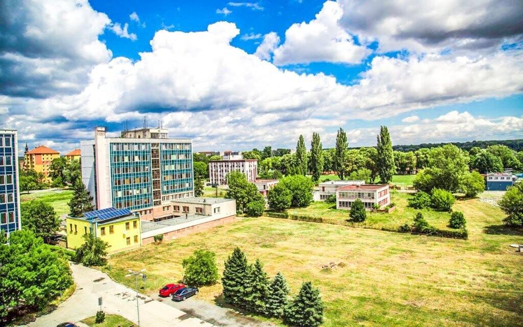 Hotel Panon *** stojí v klidné oblasti jižní Moravy