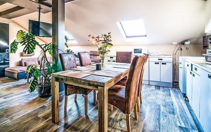 Dokúpiť si môžete apartmán vybavený okrem iného aj kuchyňou
