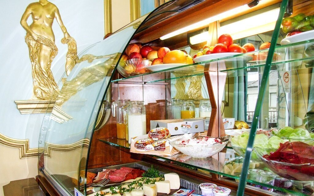 V hotelovej reštaurácii sa podávajú raňajky