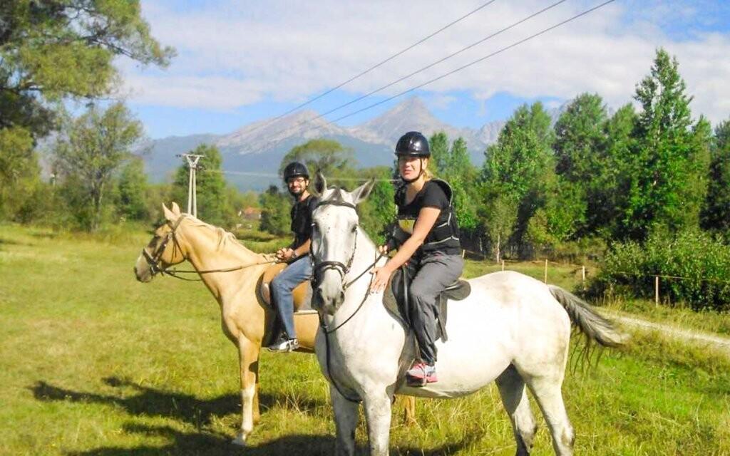 Prechádzka na koni v cene, Penzión Monty Ranch