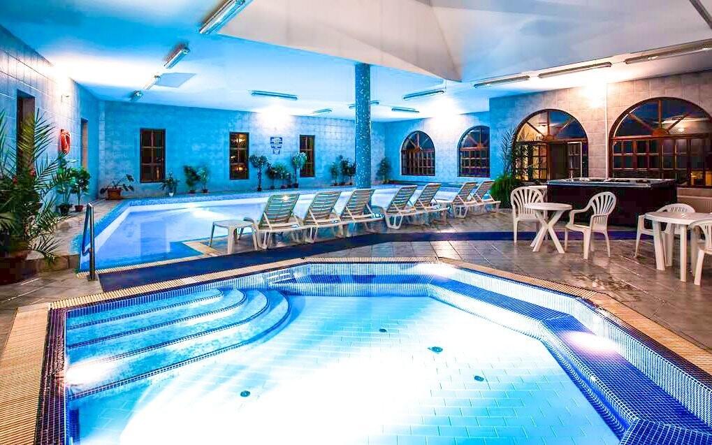 Využít můžete i vnitřní bazény