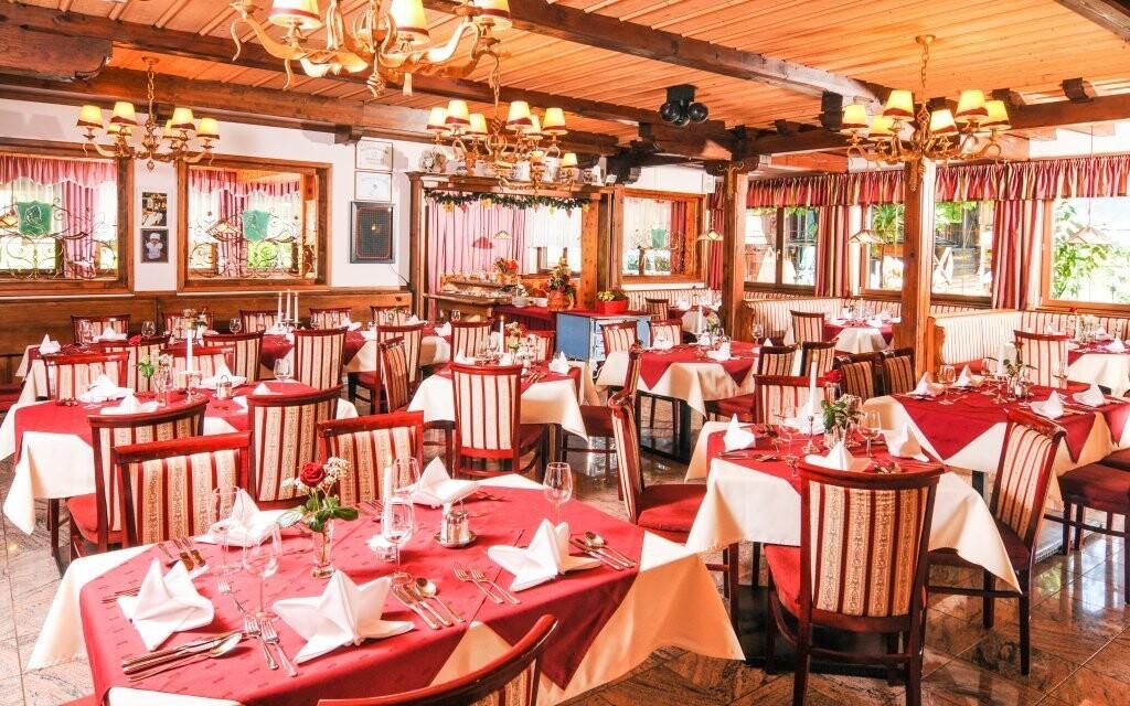 V reštaurácii hotela si pochutnáte na korutánskej kuchyni