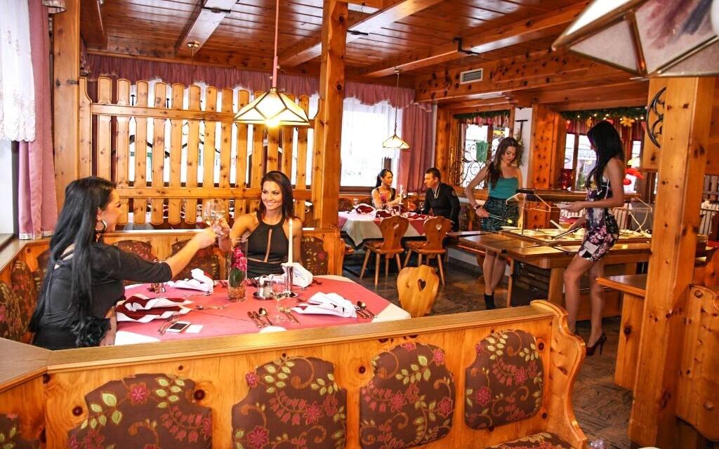V restauraci hotelu si pochutnáte na korutanské kuchyni