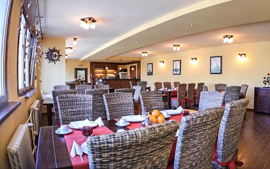Místní restaurace má velkou nabídku jídel