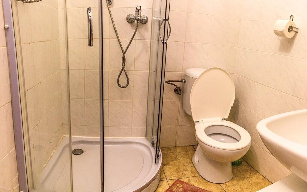 Každý pokoj má i koupelnu