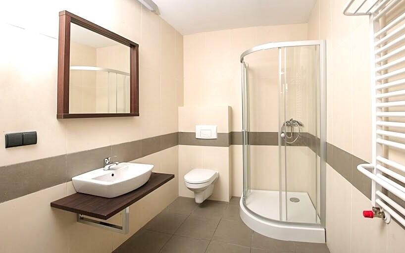 Pokoje jsou prostorné a moderní