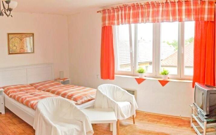 Ubytujte se ve standardně vybavených pokojích