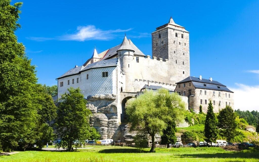 Navštivte nedaleký hrad Kost