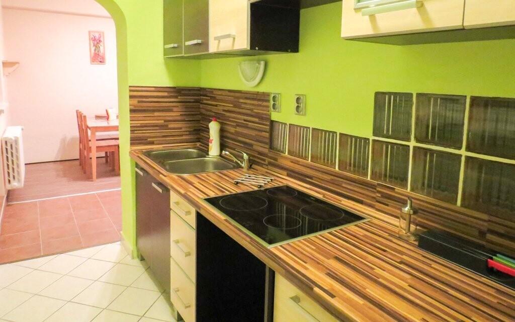 V apartmánu najdete vybavenou kuchyňku
