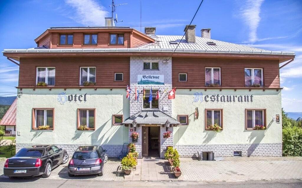 Hotel Bellevue *** má vlastní krásnou restauraci
