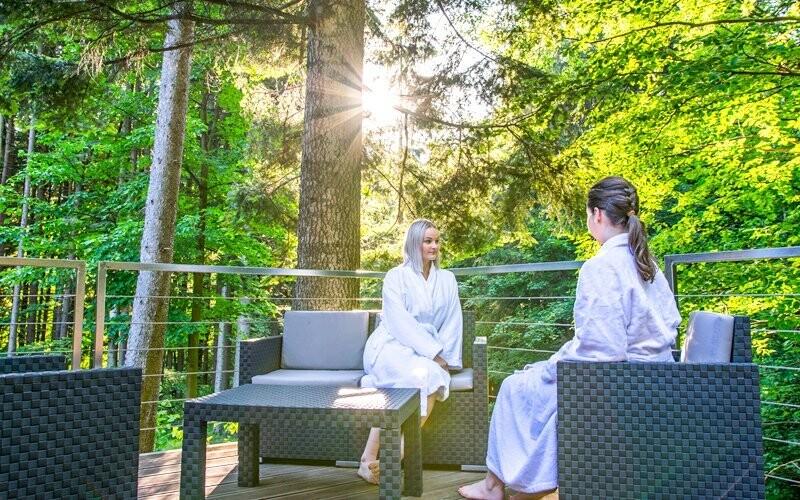 Odpočiňte si v Lesních lázních
