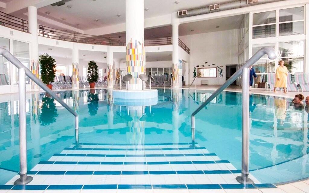 V bazénech najdete léčivou vodu