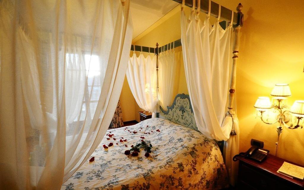Vybavení pokojů hotelu zaručuje maximální pohodlí hostů