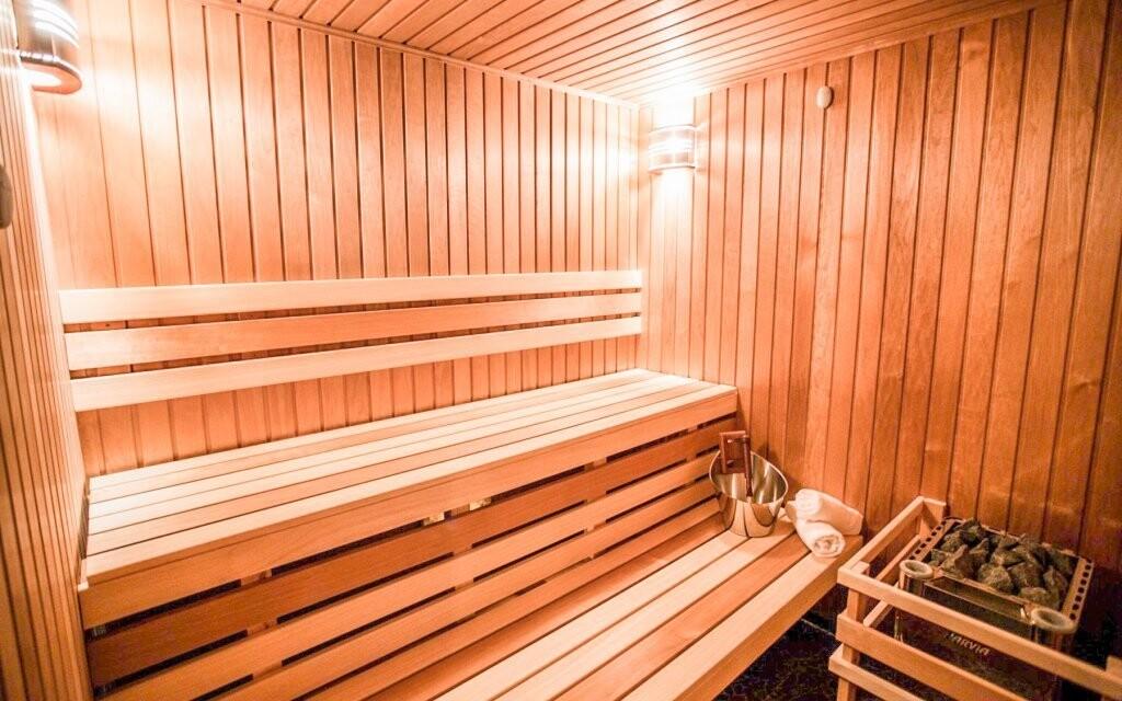 ...a tiež fínska sauna iba pre vás