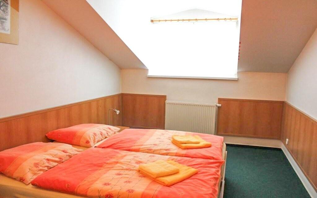 Ubytováni budete v zrekonstruovaných pokojích