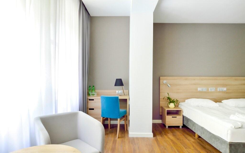Pokoje jsou světlé a moderní