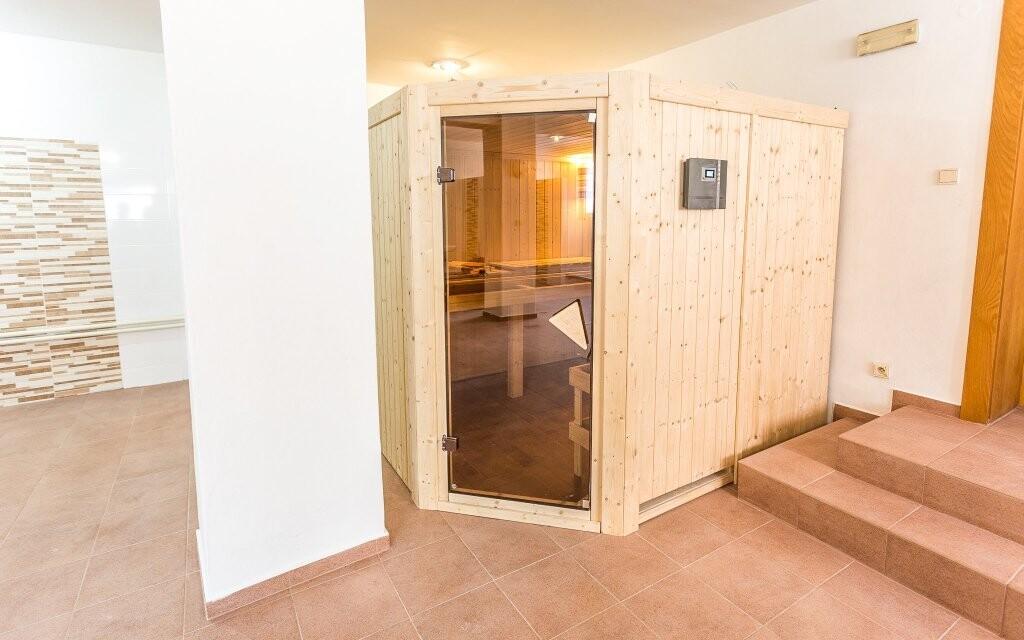 Najdete tu finskou a infra saunu