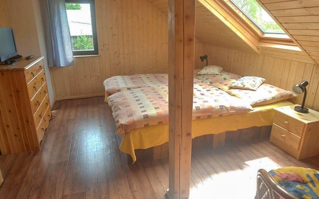 Ubytování je možné také v roubence Depandance Bušeranda