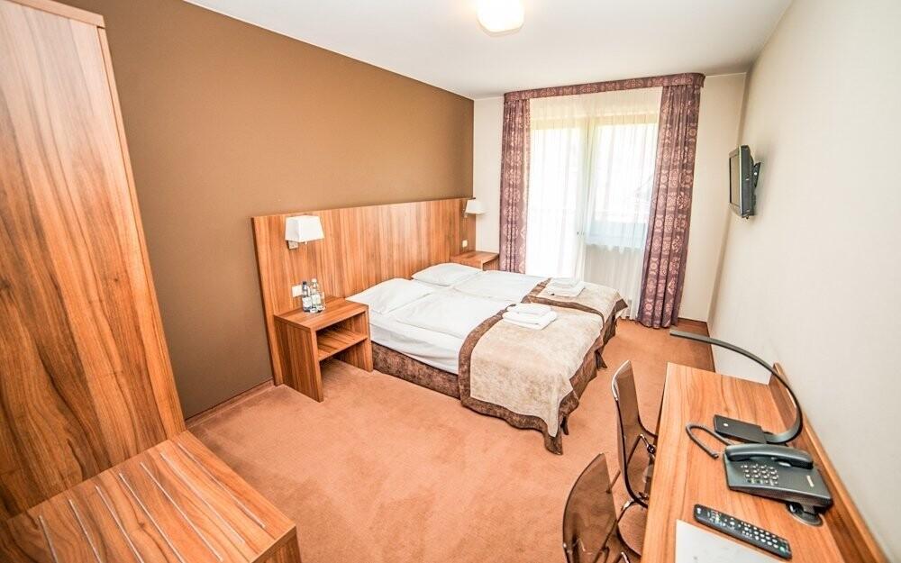 Ubytovaní budete v dvojlôžkových izbách Standard