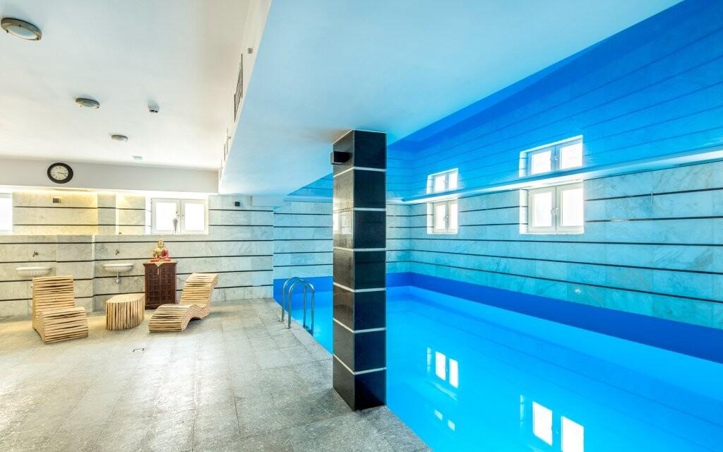 Zaplávajte si v bazéne šetrnom k vašim očiam i pokožke
