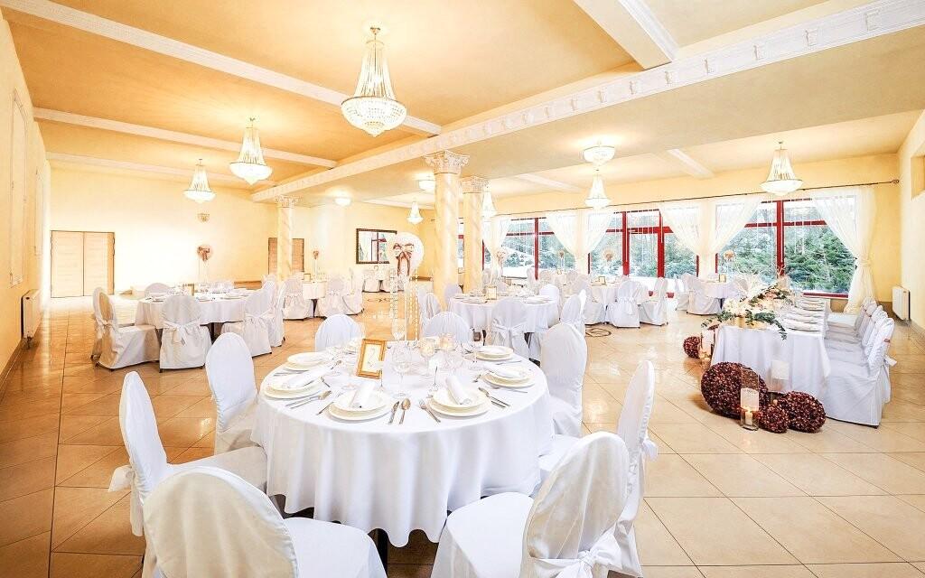 Hotel disponuje nádherným jídelním sálem