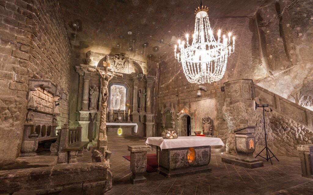 Solný důl Wieliczka je plný nádherných prostor