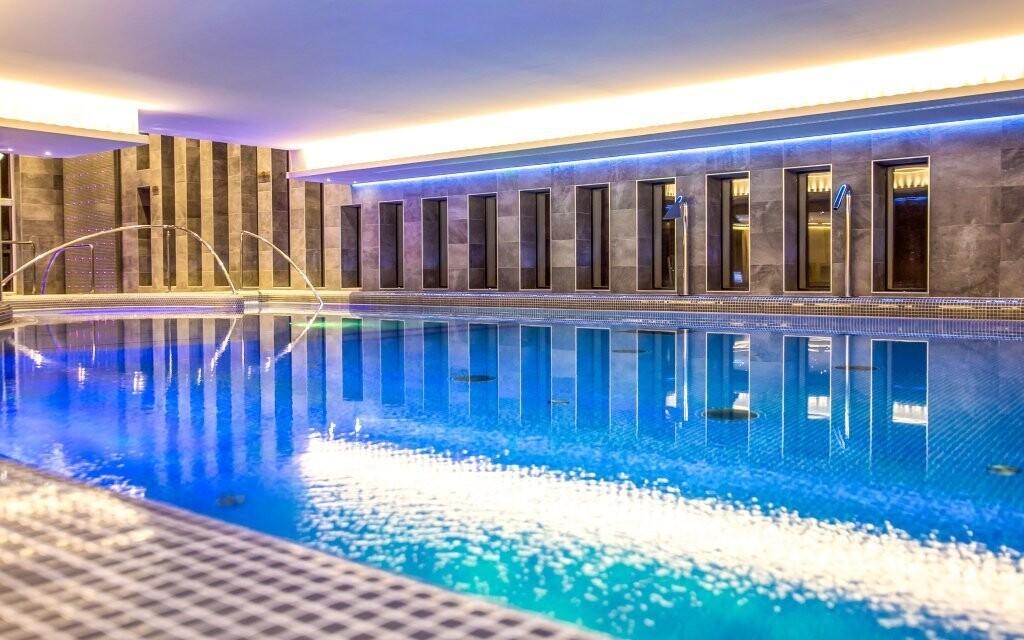 V bazéne sa úžasne osviežte
