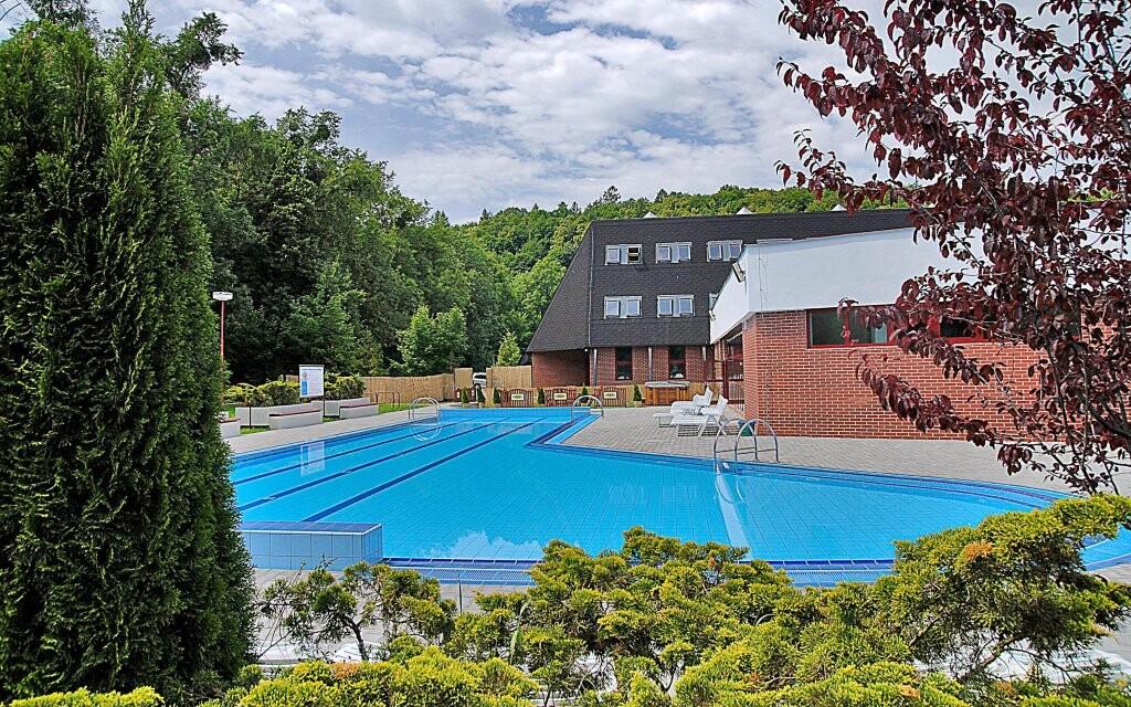Venkovní bazén u Hotelu Belaria Resort ***
