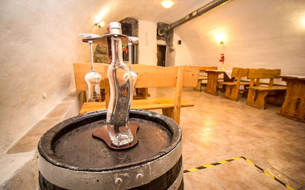 Kromě vína se těšte na ochutnávku destilátů
