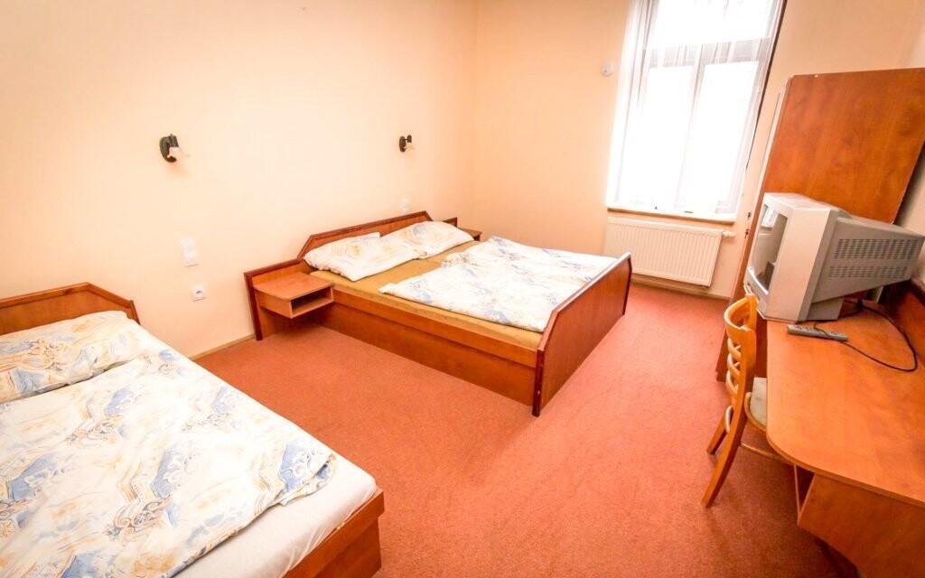 Pokoje jsou pohodlně vybavené