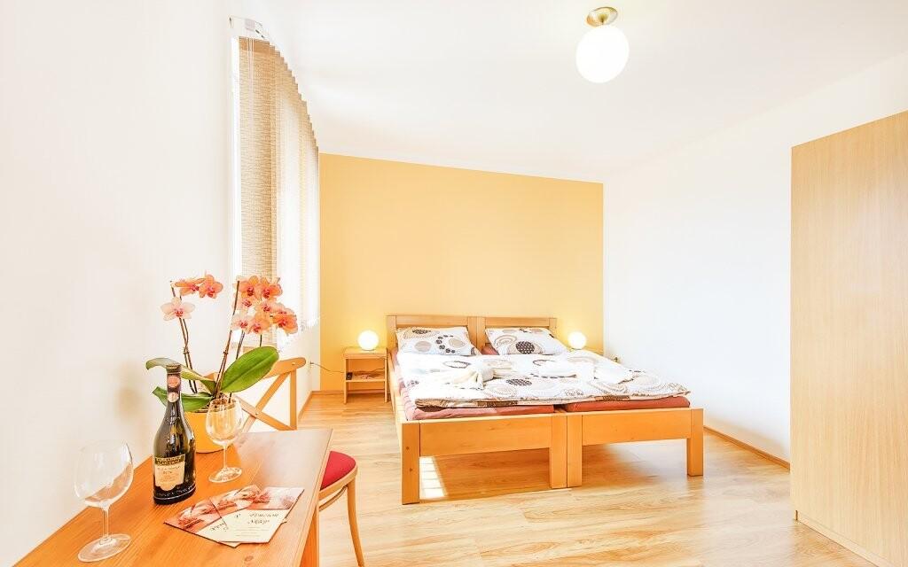 Pokoje jsou moderně vybavené