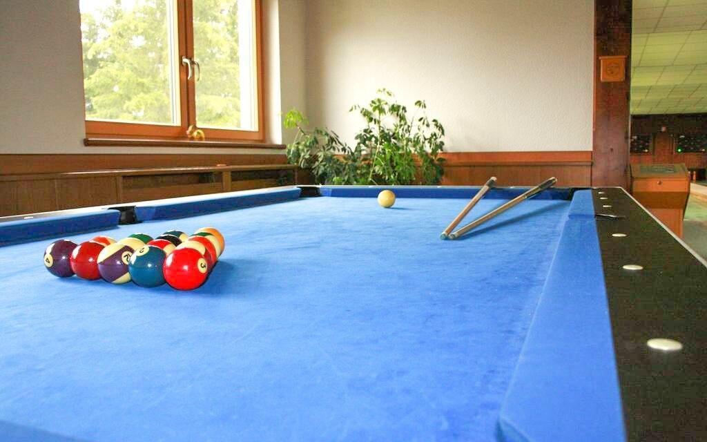 Zahrajte si biliard, tenis či bowling