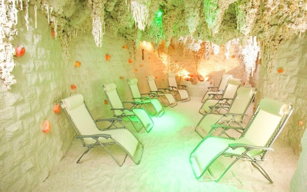 K dispozici je i solná jeskyně